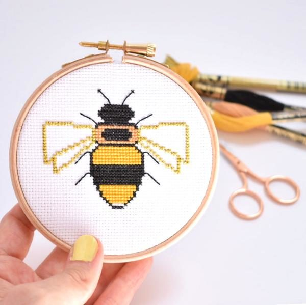 bee-cross-stitch-hoop-up