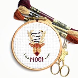 christmas-reindeer-cross-stitch-hoop