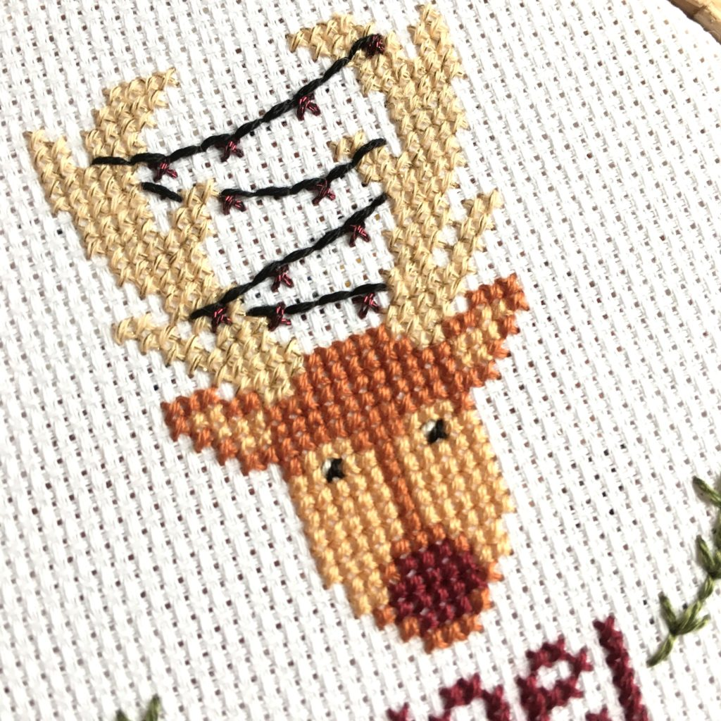 close-up-christmas-doe-cross-stitch-hoop
