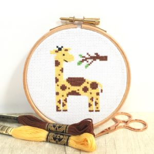 giraffe-cross-stitch-hoop