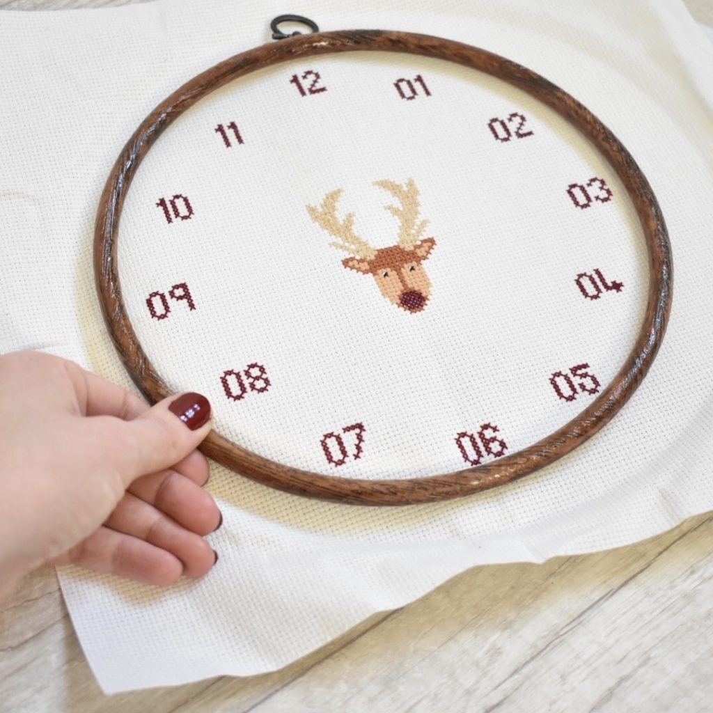 cross-stitch-clock-tutorial-put-on-hoop